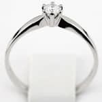 Pierścionek zaręczynowy z brylantem z białego złota P0209BB