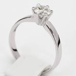 Pierścionek zaręczynowy z brylantem z białego złota P0212BB