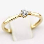 Pierścionek zaręczynowy z brylantem z żółtego złota P0538ZB