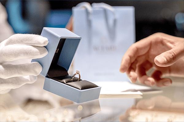 Jak sprawić, by Wybranka powiedziała Tak? Podpowiadamy, na co zwrócić uwagę podczas planowania zaręczyn!